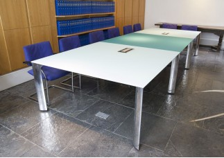 APL Frame Glass Meeting Table